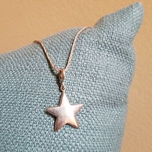 VINTAGE  Silver Star, Simple and Lovely Necklace